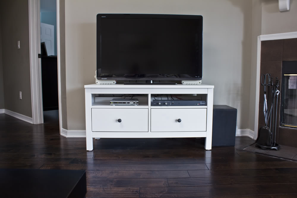 Hemnes Tv Stand Dimensions : Hover this to see the true color