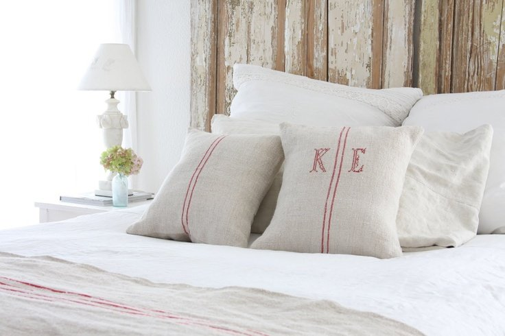 The easiest & cheapest vintage grain sack pillow covers ever