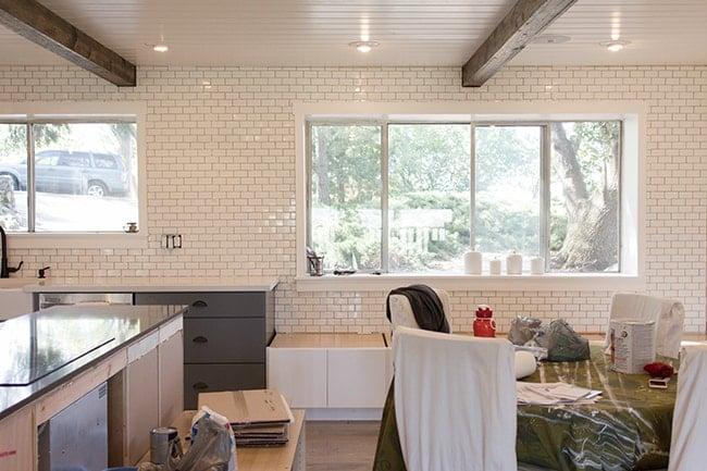 kitchen chronicles: a diy subway tile backsplash, part 1 | jenna