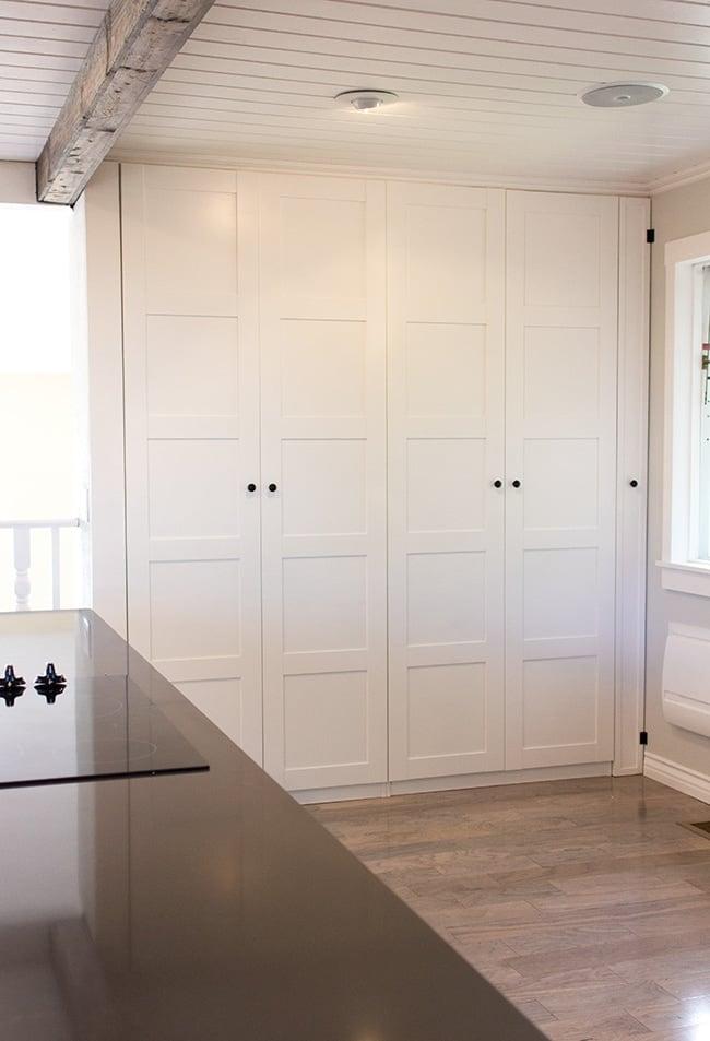 kitchen chronicles ikea pax pantry reveal jenna sue design blog. Black Bedroom Furniture Sets. Home Design Ideas