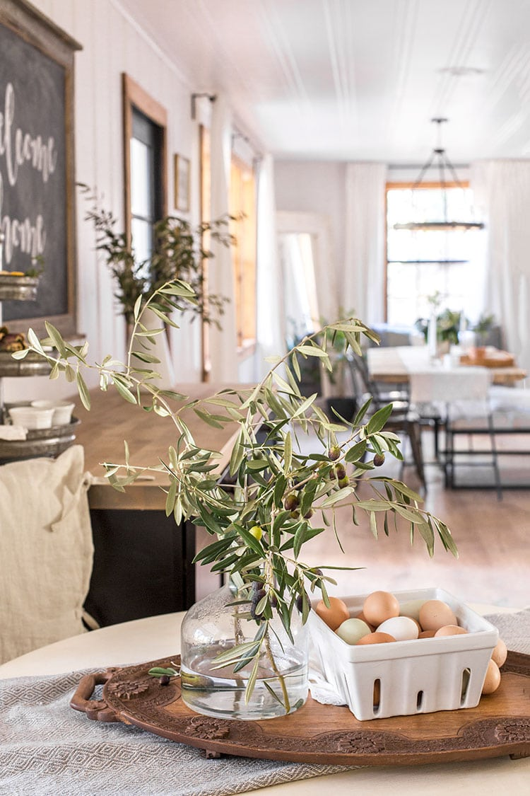 Table setting / Cottage House Flip Kitchen Reveal