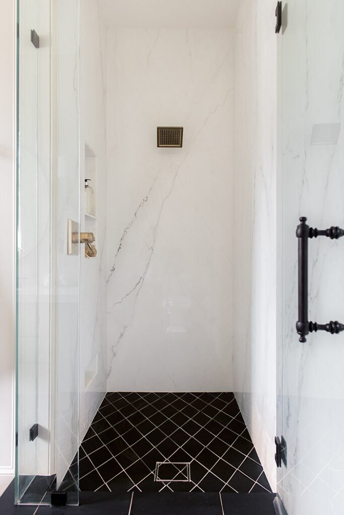 heights house master bathroom