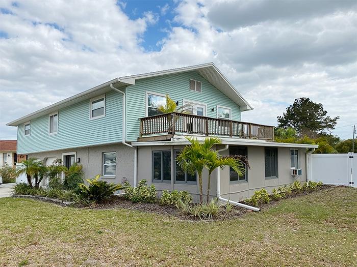 largo beach house