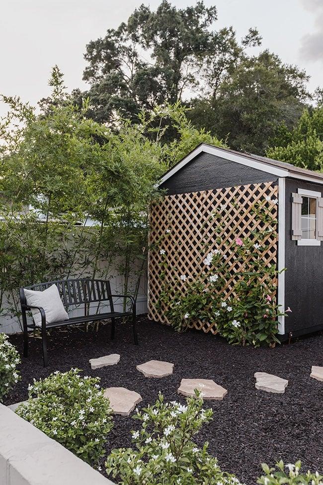 black shed lattice